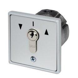 20151inbouw-sleutelschakelaar-MR-1-2T-IP54-incl-GNSB-logoplaat,-halve-profielcilinder-+-3-sleutels